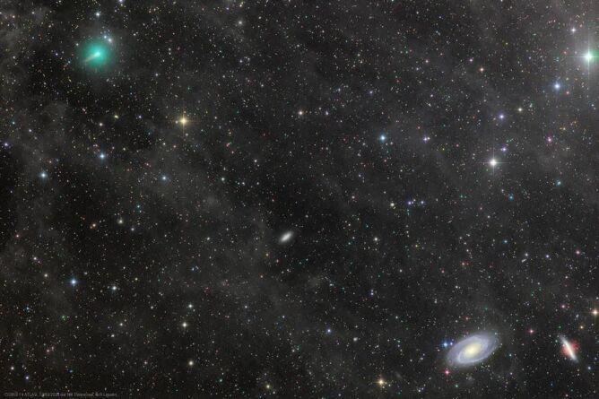 Zdjęcie wykonane 21 marca - kometa Atlas to zielonkawy obiekt w lewym górnym rogu