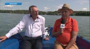 Tomasz Zubilewicz rozmawia z Antonim Klecanem, właścicielem hotelu w Mrągowie